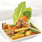 Stir-fried beef & baby corn,carrot,onion